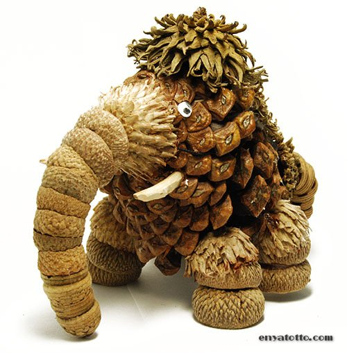 amazing pinecone crafts to do this autumn.