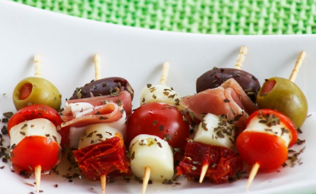 A quick and easy way to make antipasto.