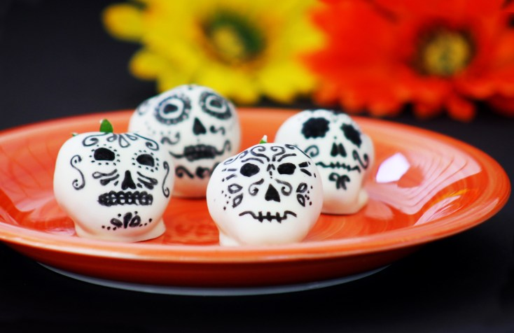 Day of the Dead White Chocolate Covered Strawberry Skulls