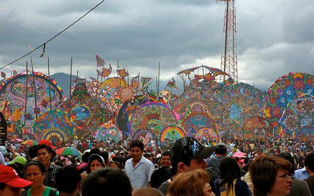 kite festival in Guatemala Dia de los Muertos