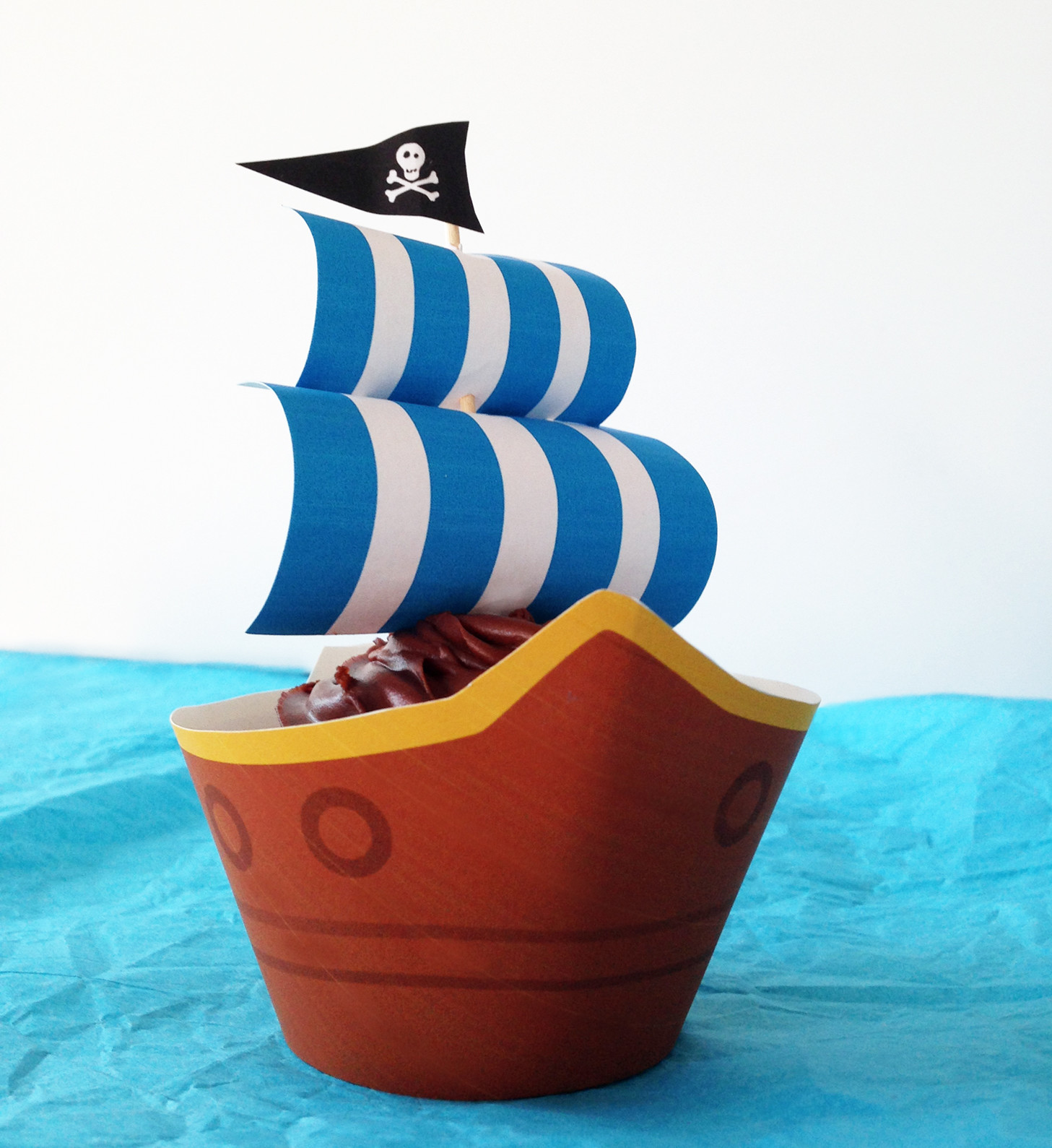 Pirate Ship Party Cupcakes With Free Printables