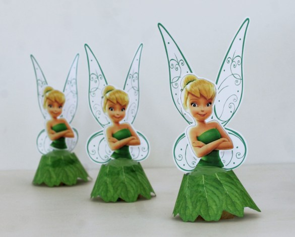 Tinker Bell cupcakes with free printables for a fairy party