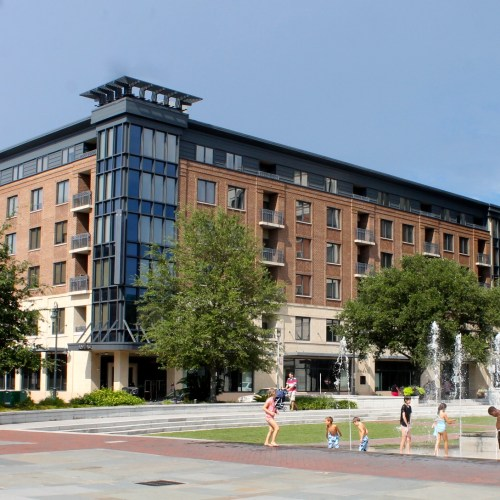 The Andaz Savannah: Ideal Location and Modern Southern Charm