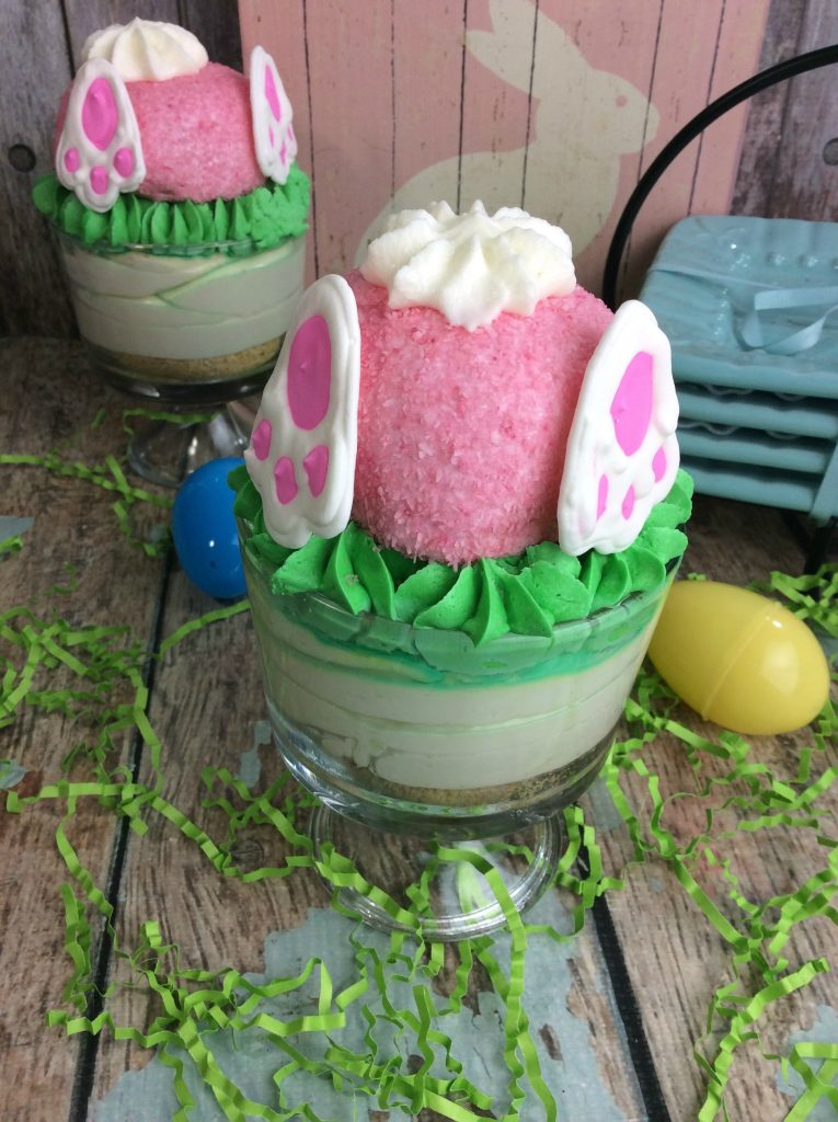 Bunny Butt Cheesecake and other cute and delicious Easter desserts that are perfect for an Easter party!