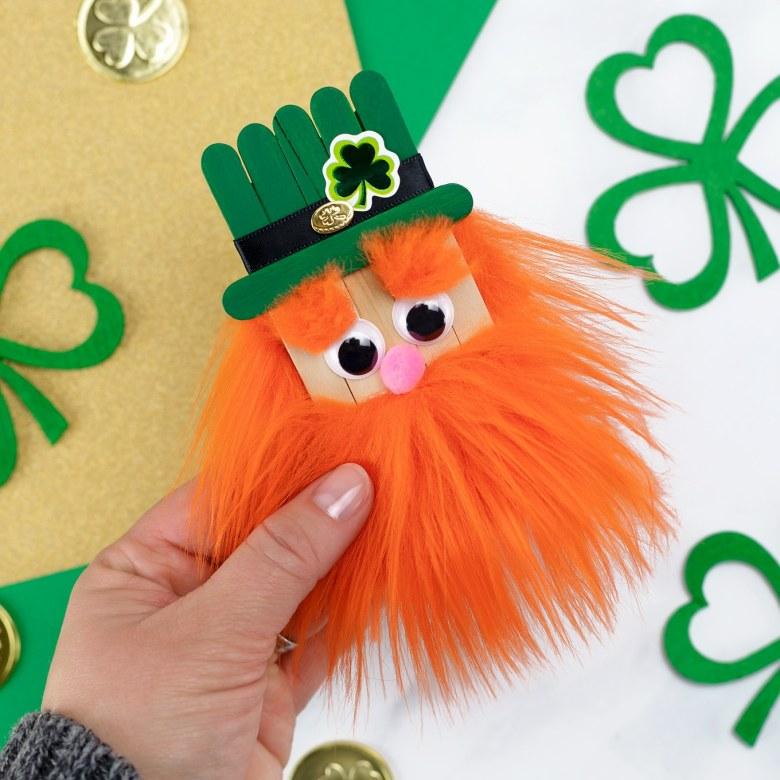 Popsicle Stick Leprechaun St Patrick's Day craft for kids