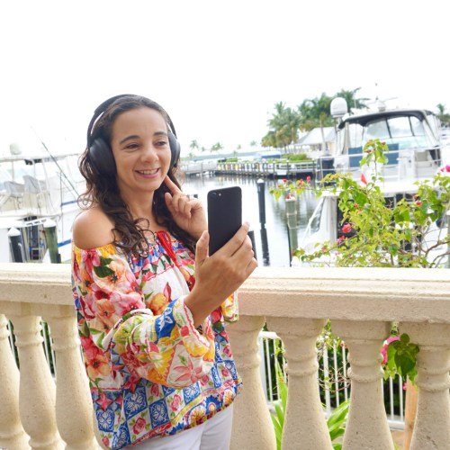 My Favorite Headphones for Travel: Bose Noise Cancelling Headphones 700