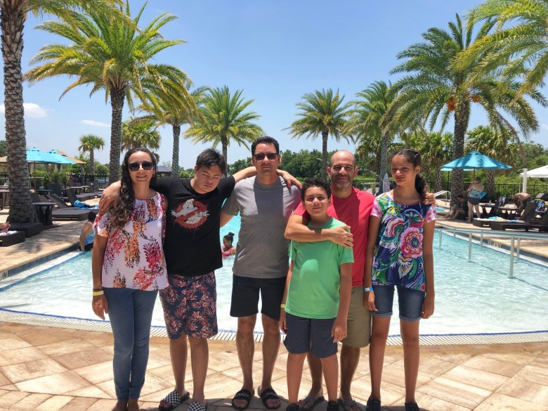 Make Traveling to Orlando with Extended Family Easier with These Simple Tips