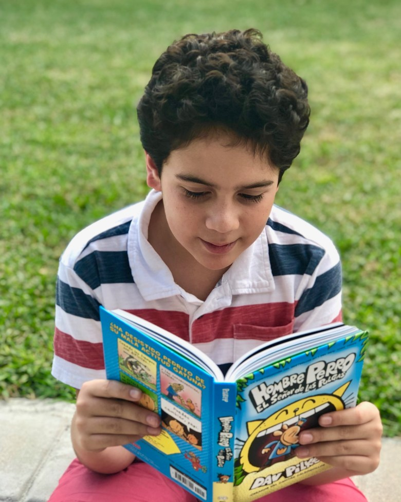 Hombre Perro books in Spanish for kids