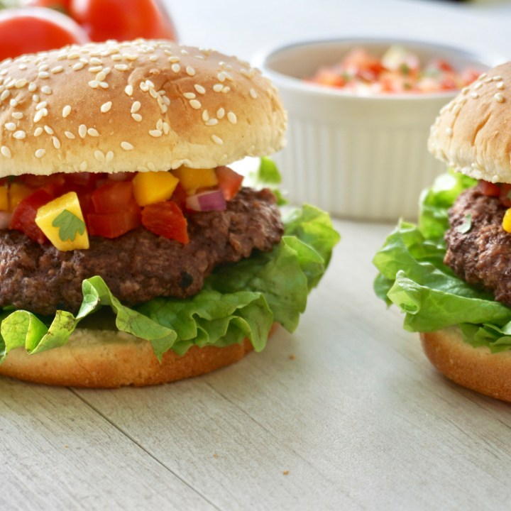 Grilled Burger With Mango Salsa