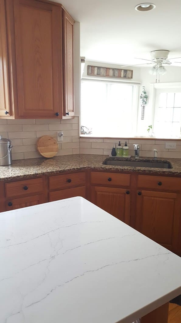 Update A Kitchen W Out Painting Oak Cabinets Growit Buildit