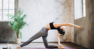 9 Yoga Poses for Couples - Partner Yoga Poses