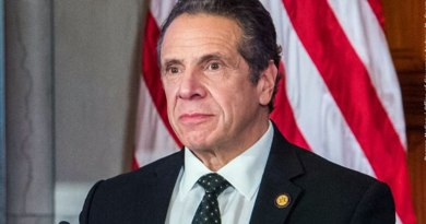 How Tall Is Andrew Cuomo
