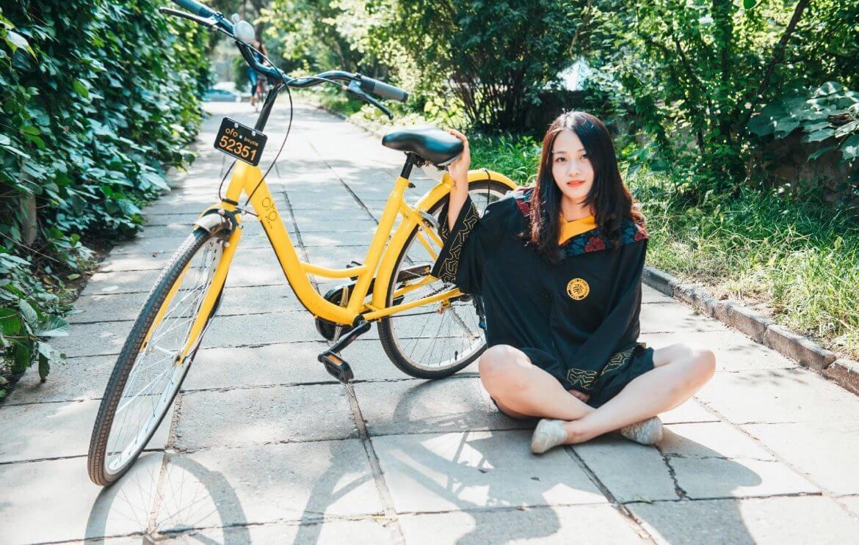CLOWNS et CLONES des ARRIÈRE- et AVANT-GARDES Didi-funds-OFO-to-make-bike-sharing-a-thing