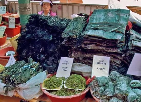 scary asian foods, seaweed seller