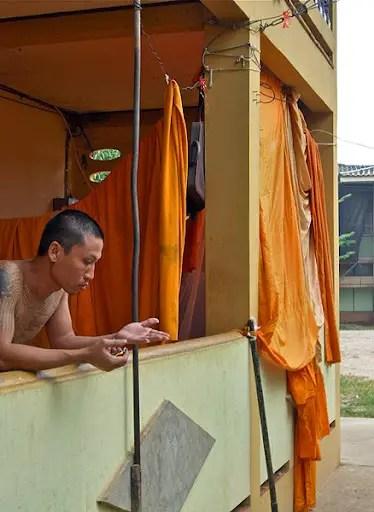 temple monks living space thailand