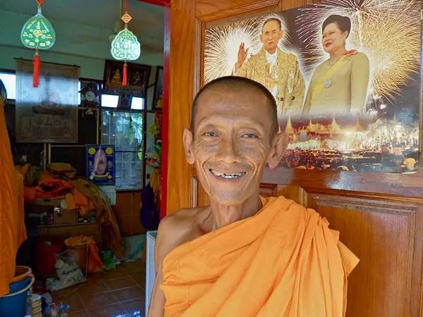 buddhist monk home, monk dormitory, buddhist monk in thailand
