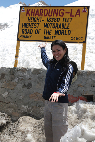 khardungla highest motorable pass in the world, ladakh guide, visiting ladakh, getting to nubra valley india