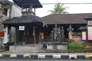 Ubud statue , Balinese Family