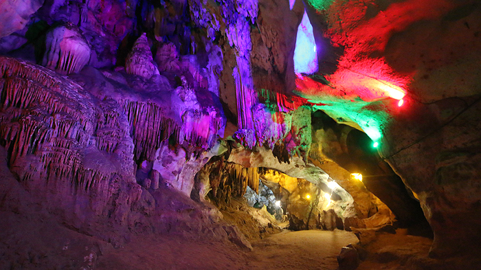 chiang dao cave colored lights