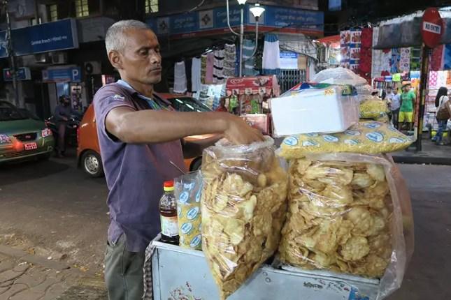 street foods in kolkata, Top Street Foods in kolkata, top foods in kolkata, top indian foods, top indian street foods