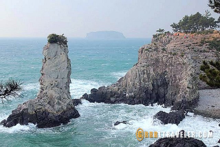 Top 8 Things to Do on Jeju Island, sex museum jeju island, jeju island attractions, jeju island museums, travel jejudo, travel jeju, jeju island tourism, natural attractions jeju, odoelgae rock jeju