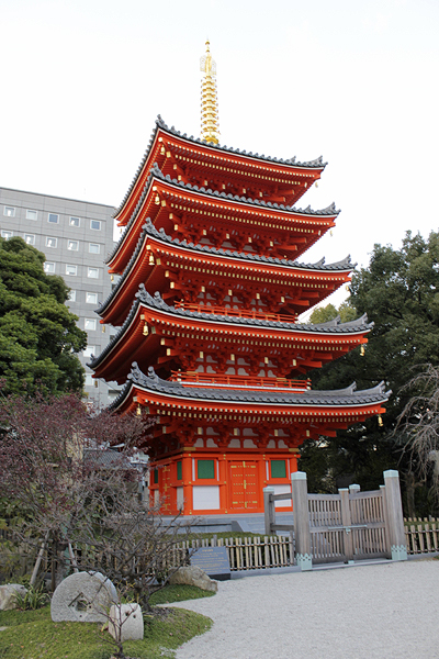 fukuoka sights, buddhist pagoda temple japan