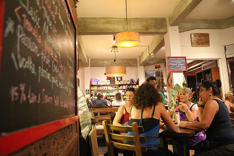 kafe restaurant ubud, popular restaurants in ubud, where to eat ubud, top eats in ubud