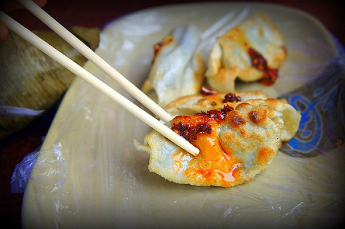 chinese jiaozi, must try foods around the world, must try foods china, must try chinese food, traditional chinese food, chinese fried dumplings