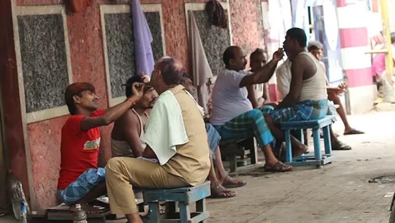 Indian street barbers, top attractions of kolkata, things to do in kolkata, kolkata city highlights