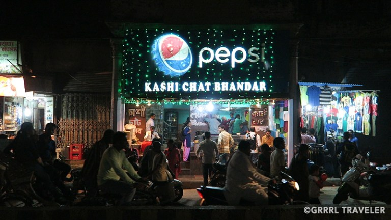 5 must try street foods in Varanasi, Kashi chaat bhandar