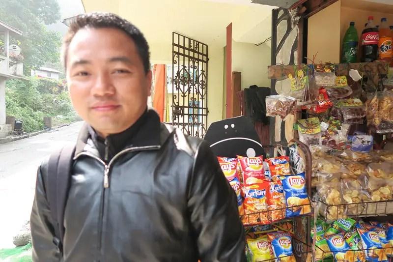 Lopchu village rest stop