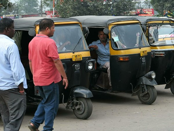 autorickshaws india, ways to get around in india, getting around india