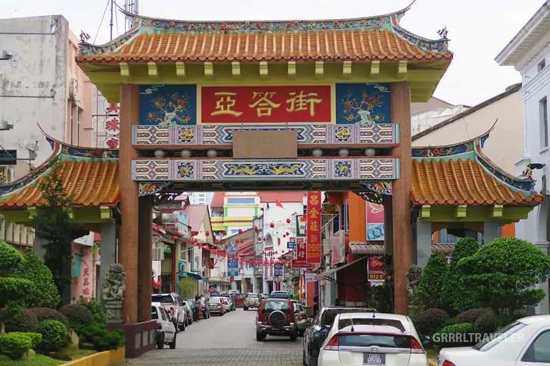 kuching chinatown, best thing to do in kuching, kuching travel guide, kuching sarawak