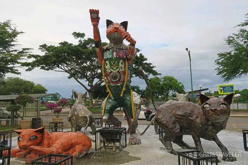 kuching cats, best thing to do in kuching, kuching travel guide, kuching sarawak