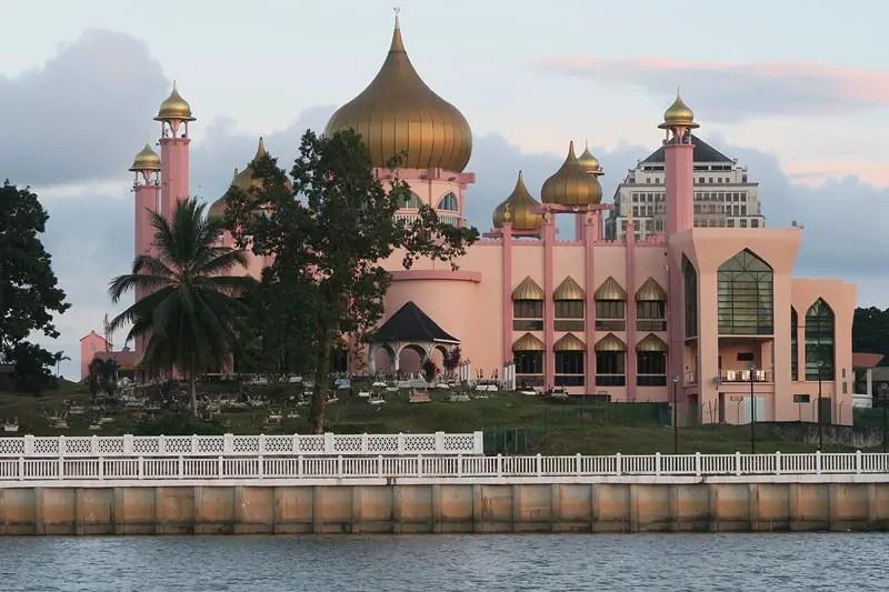 kuching moque, best thing to do in kuching, kuching travel guide, kuching sarawak