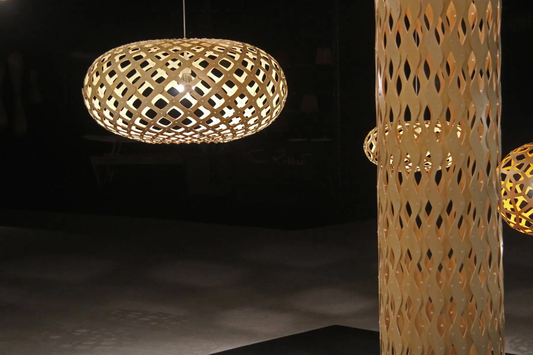 Kina Pendant Light