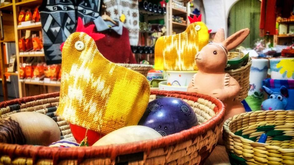 Oster-Artikel im Eine-Welt-Laden © Fotos: Stefanie Schildchen