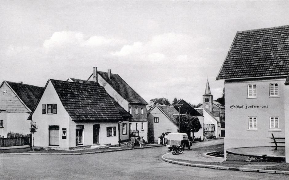 Alte Ansichtskarte: Meinerzhagen-Valbert, Ihnestraße © Foto: Sammlung Schildchen