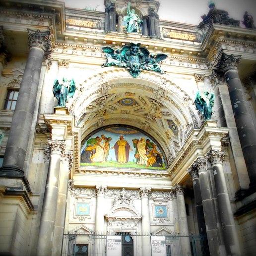 Eingang Dom
