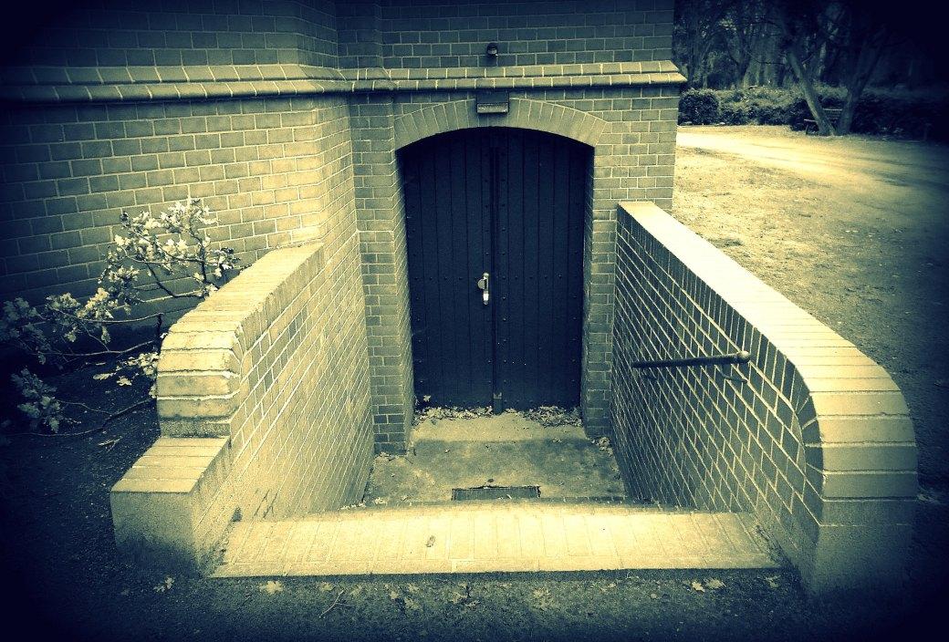Tür zum Keller