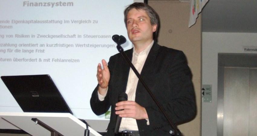 Sven Giebold referierte über europäische Finanzpolitik