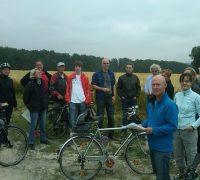 Gruppenbild Fahrradtour zu potenziellen Windkraftstandorten