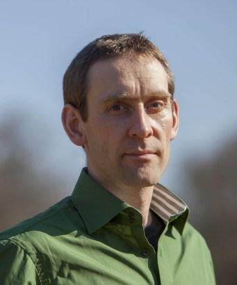 """Dr. Michael Bilharz, Autor von """"'Key Points' nachhaltigen Konsums"""" ist Mitarbeiter im Umweltbundesamt im Bereich nachhaltiger Konsum. Kontakt: info@keypointer.de. Das Bundesumweltamt informiert in seinem Verbraucherratgeber sowie im Bereich des klimaneutralen Lebens ebenfalls über die Themen des Textes (Bild: privat)"""