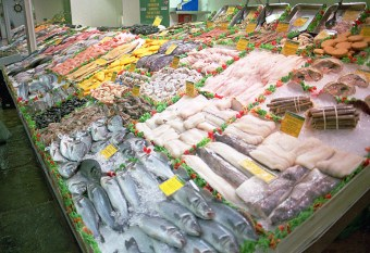 OM4. One of the many reasons I like to visit Leeds: fish stalls in the magnificent Leeds Market