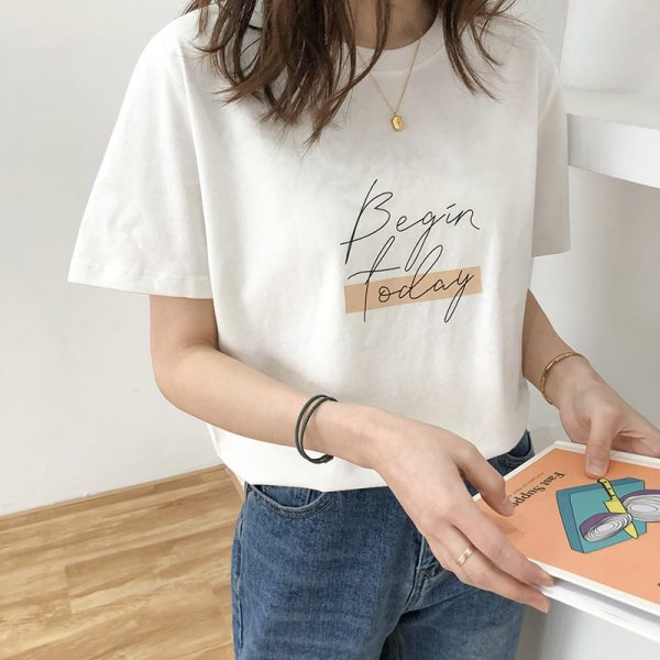 T-shirt minimaliste noir style tumblr girl