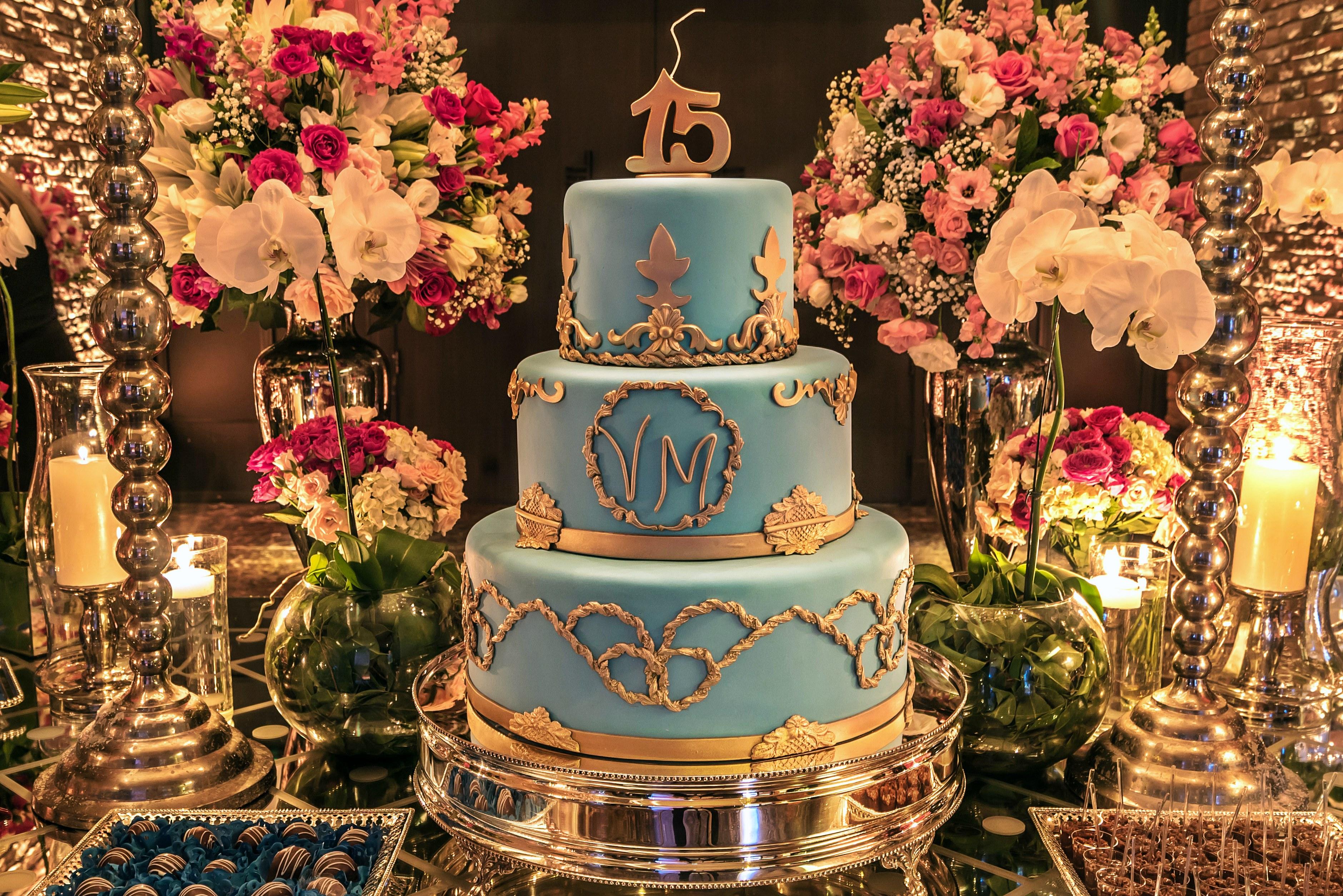 Inspirações: bolo para festa de 15 anos