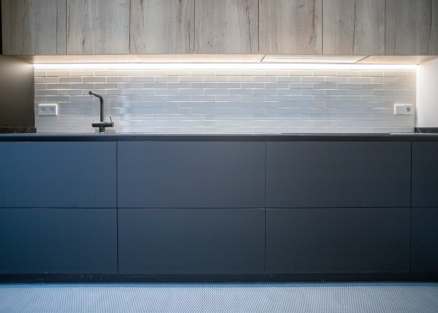 mueble cocina negro