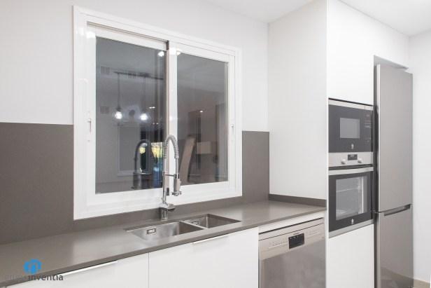 ventana corredera en la cocina