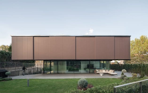 Eclipse House por I / O Architects en Sofía, Bulgaria