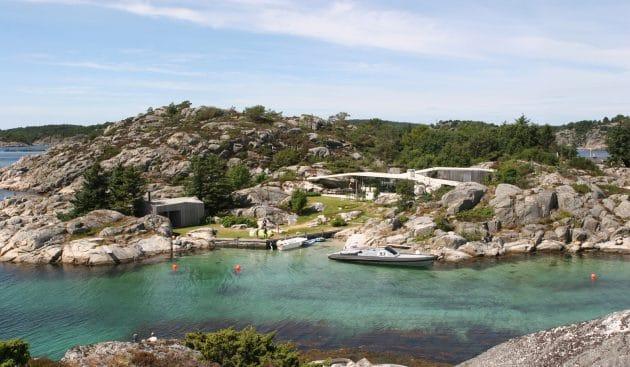 Lyngholmen por Lund Hagem en Lillesand, Noruega